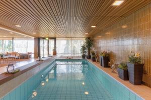 Majoituspaikassa Hotel Fjalar tai sen lähellä sijaitseva uima-allas
