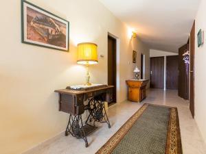 A seating area at Apartments Vesna