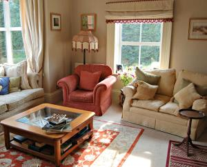 A seating area at The Old Vicarage Dolfor
