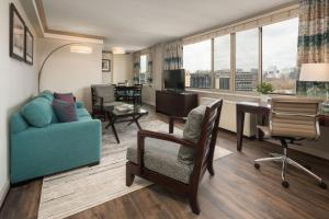 A seating area at The River Inn-A Modus Hotel