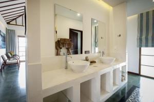 Phòng tắm tại Cassia Cottage