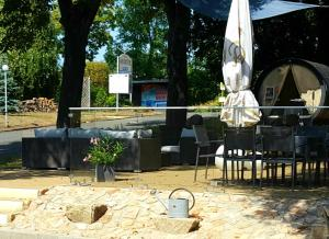 Ein Restaurant oder anderes Speiselokal in der Unterkunft Hotel Wippertal