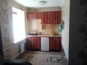 Кухня или мини-кухня в Квартиры