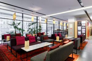 The lounge or bar area at AZIMUT Hotel Saint-Petersburg