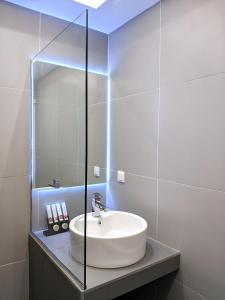 A bathroom at Vivo Apartments