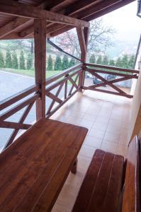 Balkon lub taras w obiekcie Pod Dębami