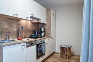 Küche/Küchenzeile in der Unterkunft HILLSIDE Apartments Pircher
