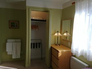 A bathroom at Apart 2 Bedroom 2 beds near metro -Parking Free