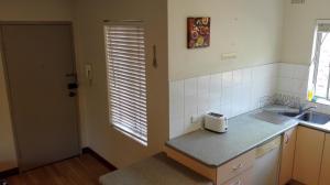 A bathroom at 2bedroom entire unit freeparking walktotrain&ferry