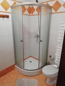 Łazienka w obiekcie Karczma na Woli