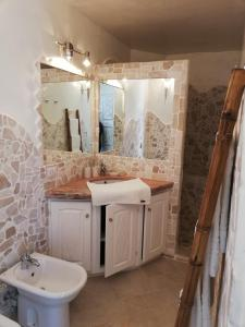 A bathroom at Villa Anna