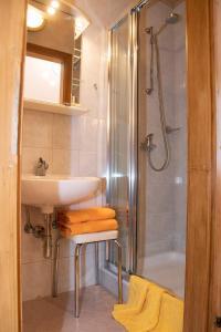 Ein Badezimmer in der Unterkunft Willi's Bauernhof