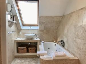 Ванная комната в Ocean Hotel