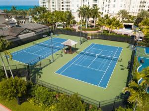 Tennis and/or squash facilities at Seven Stars Resort & Spa or nearby