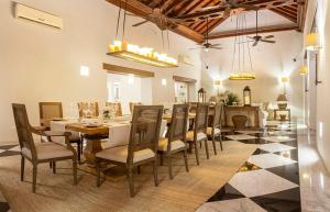 A restaurant or other place to eat at Hotel Casa Don Sancho By Mustique