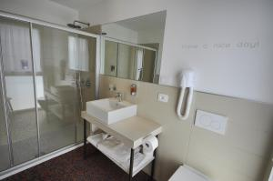 Ein Badezimmer in der Unterkunft Energy Hotel