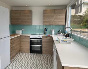 A kitchen or kitchenette at St Vincents
