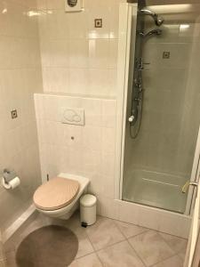 A bathroom at Antonio's Place I