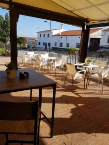 A restaurant or other place to eat at Hotel Carvajal