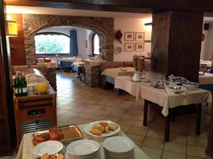 A restaurant or other place to eat at Hotel Triolet