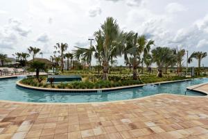 The swimming pool at or close to 4 Bedrooms villa at Storey Lake