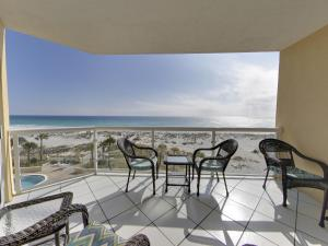 A balcony or terrace at Emerald Isle