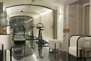 The fitness center and/or fitness facilities at Le Narcisse Blanc