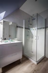 Salle de bains dans l'établissement Le Verger du Mesnil