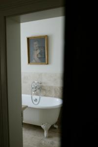 Ein Badezimmer in der Unterkunft Schloss Auel Boutique Hotel