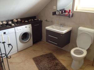 A bathroom at Villa Mónika