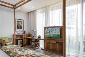 A television and/or entertainment center at Lennox Miami Beach