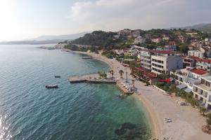A bird's-eye view of Beach Hotel Split