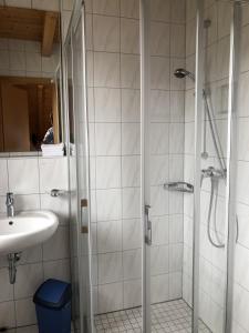 Een badkamer bij Berghotel Schiller