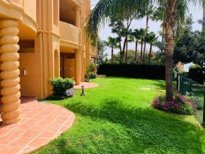 Jardín al aire libre en Apartamentos El Portón
