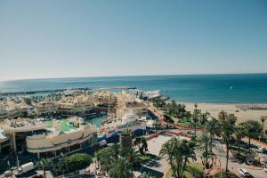 Een luchtfoto van Hotel Alay - Adults Only