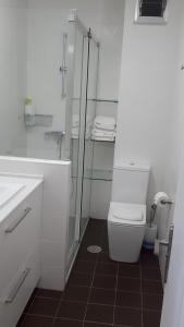 Un baño de PR Blanco