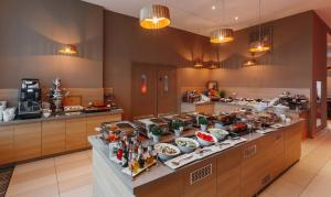 A restaurant or other place to eat at Mercure Sochi Centre Hotel