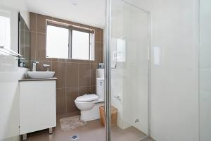 A bathroom at Sandhurst, Unit 2
