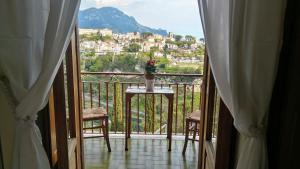 A balcony or terrace at Ravello View