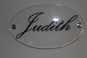 Logo o señal of this country house