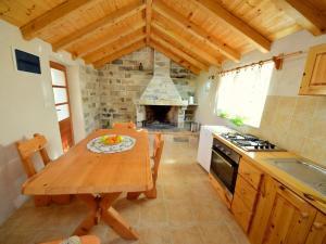 A kitchen or kitchenette at Holiday Home Antonija