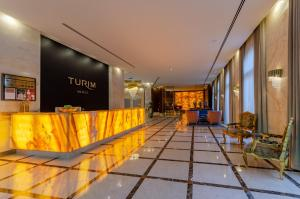 The lobby or reception area at TURIM Boulevard Hotel