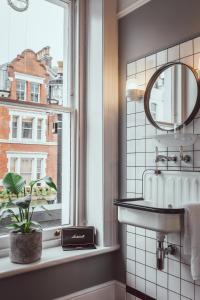 A bathroom at The Pilgrm