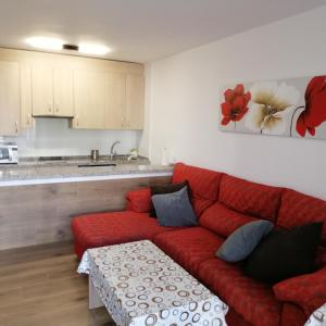 A kitchen or kitchenette at Apartamento Playa El Playazo en Nerja