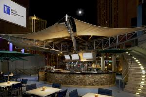 The lounge or bar area at Elara by Hilton Grand Vacations - Center Strip