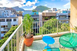 A balcony or terrace at Ipanema Duplex Penthouse