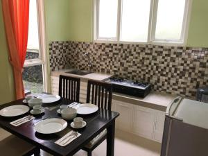 A kitchen or kitchenette at Villa Safira