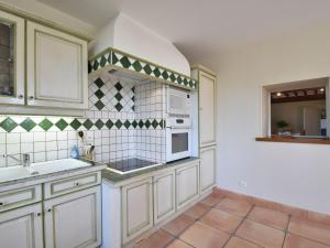 A kitchen or kitchenette at Luxurious Mansion in Verneuil with Fenced Garden