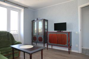 A television and/or entertainment center at Peterhof Apartments