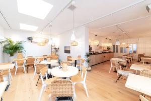 Restaurant ou autre lieu de restauration dans l'établissement Het Vlielandhotel